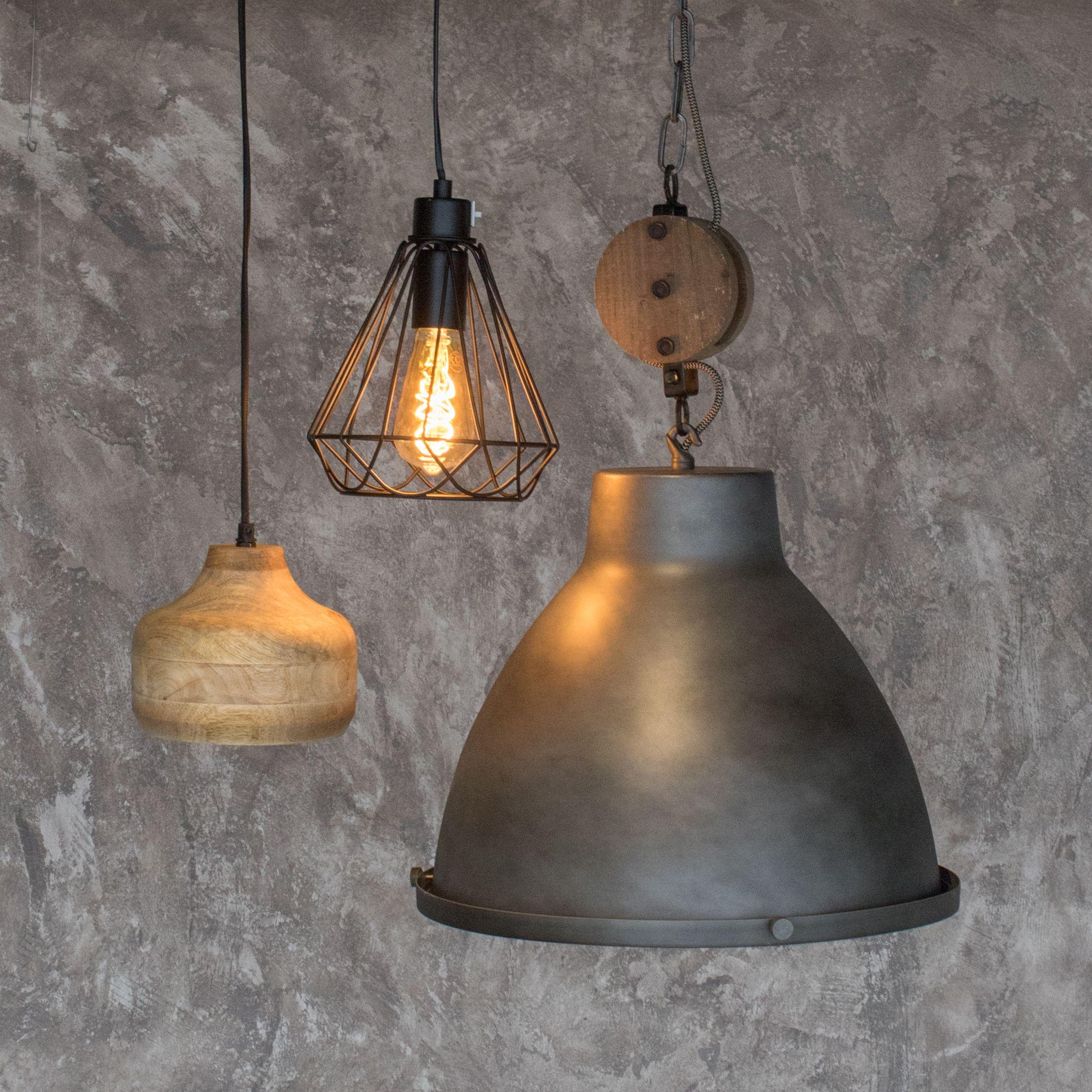 Anders Dan Anders Dat Vinden Wij Leuk Ga Voor Verschillende Soorten Lampen Voor Een Leuk Interieur Dok2 Interiorinspo Woonins Hanglamp Verlichting Lampen
