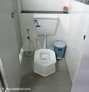 Öffentliche Toilette in Thailand