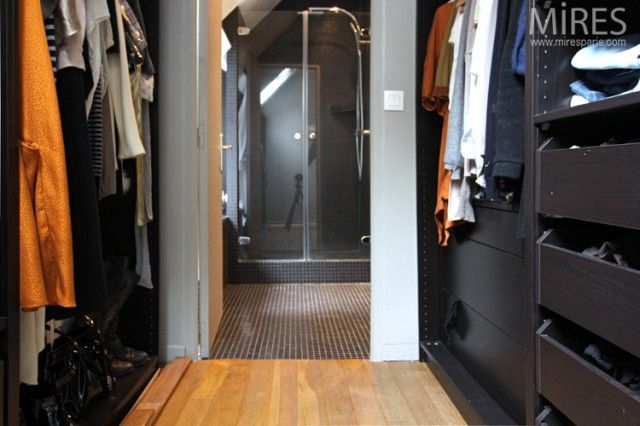 Emejing Chambre Avec Salle De Bain Et Dressing Ideas - Yourmentor ...