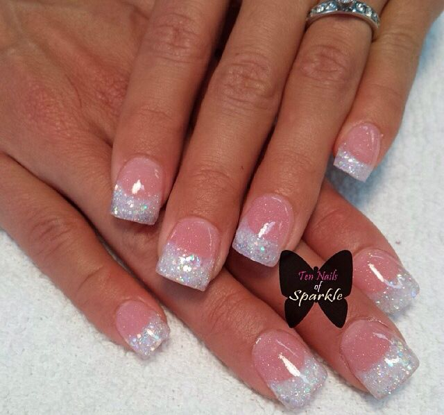 Pin By Lacroix Therse On Ongle In 2020 White Glitter Nails White Acrylic Nails Trendy Nails