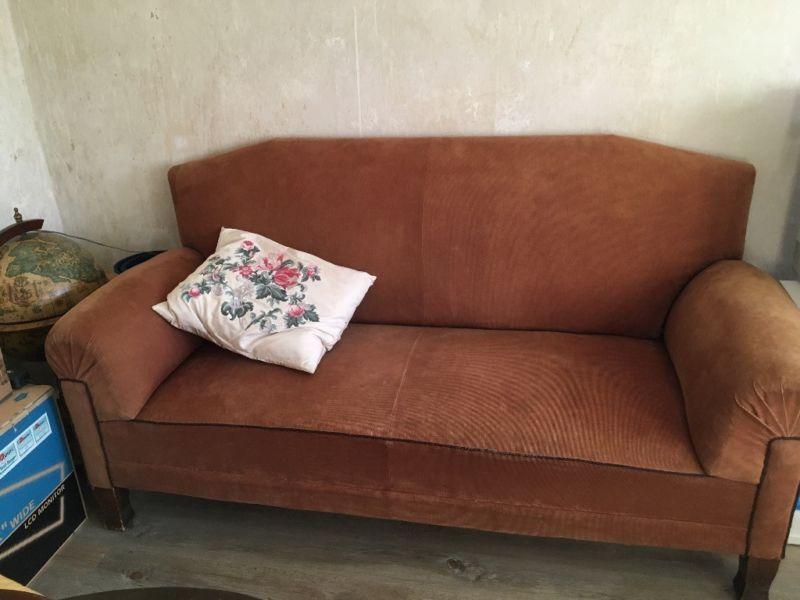 Wunderschones Vintage Sofa 1 90m X 0 88m Zu Verkaufen Bezug Altergemass Abgenutzt Aber Ohne Vintage Sofa 2 Sitzer In Frie Vintage Sofa Sofa Zu Verkaufen