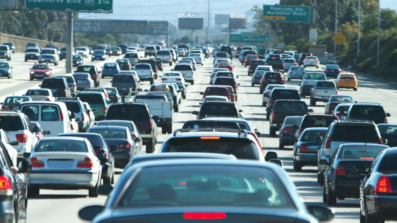 Here S How Much Sitting In Traffic Is Costing You Video Road