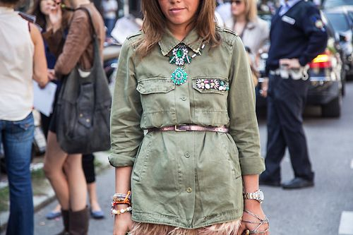 This military shirt just got be-jewelled away with a big gem necklace, sparkling broaches and some sparkling bracelets.