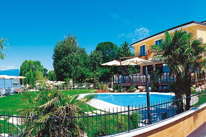 Hotel La Rondine Sirmione Lake Garda Gardalake Com Lake Garda Hotel La Sirmione