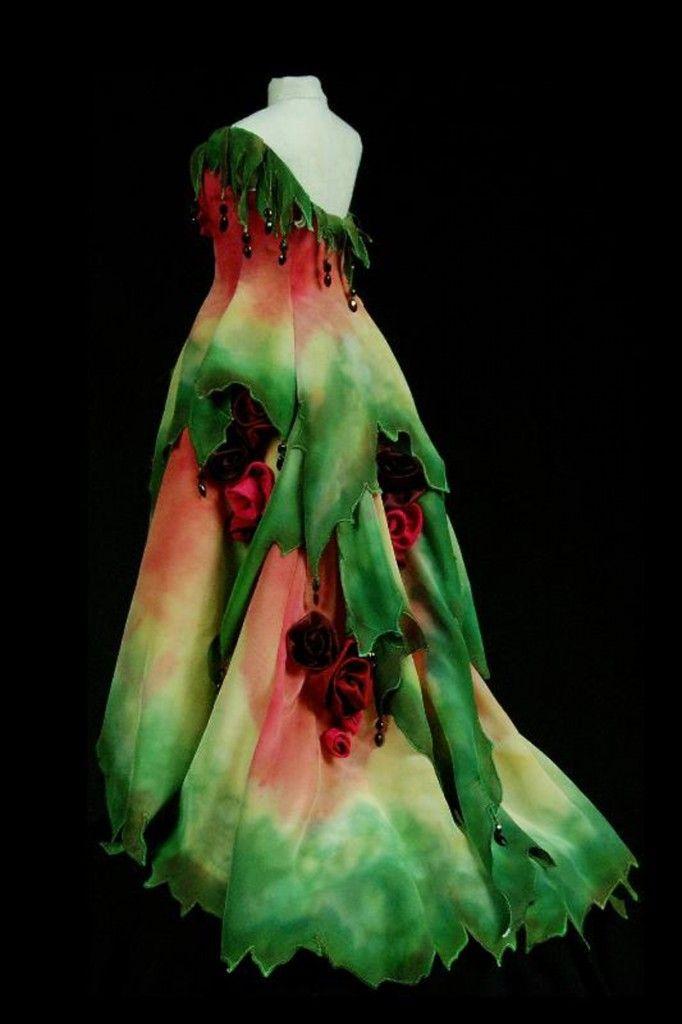 Rose's Edge gown - exquisite detail
