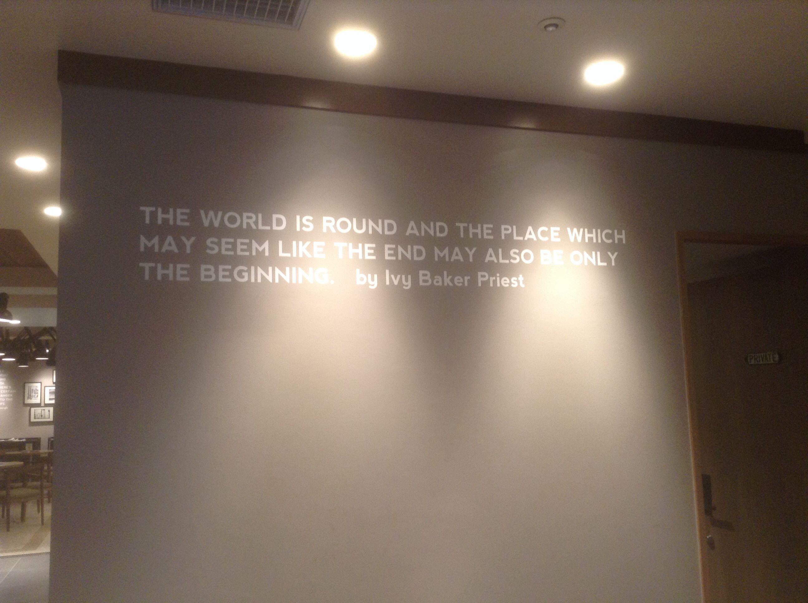 Una cita perfecta para estos momentos! La encontré escpndida en mi hotel :) Cuz Every new beginning comes from some other beginnings' end.
