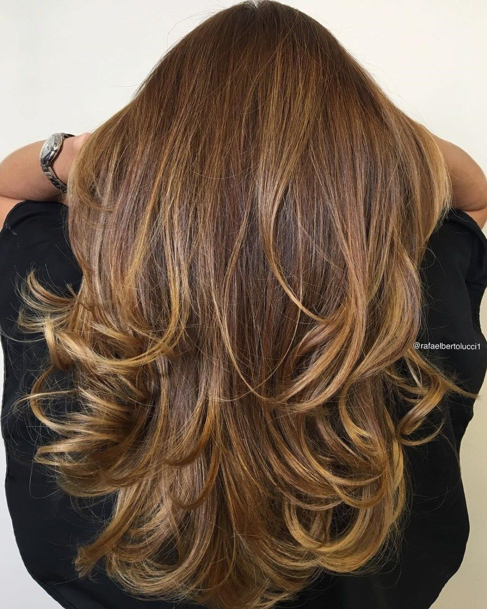 20 Golden Brown Hair Color Ideas All Brunettes Need To See Golden Brown Hair Color Golden Brown Hair Brown Hair Colors