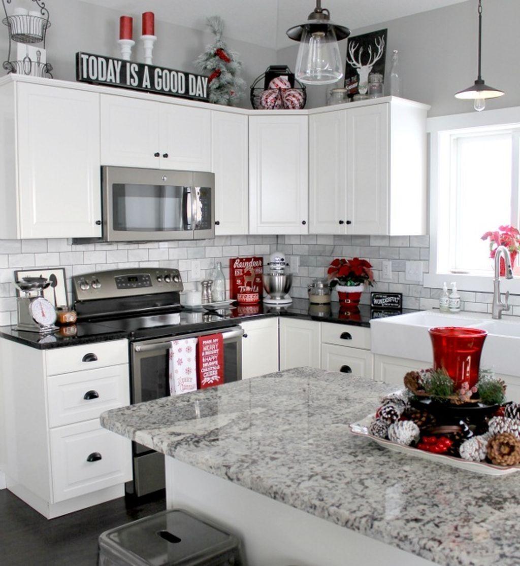 Awesome 48 Stylish White Kitchen Cabinets Decor Ideas Christmas Kitchen Decor White Kitchen Decor Black White Kitchen Decor