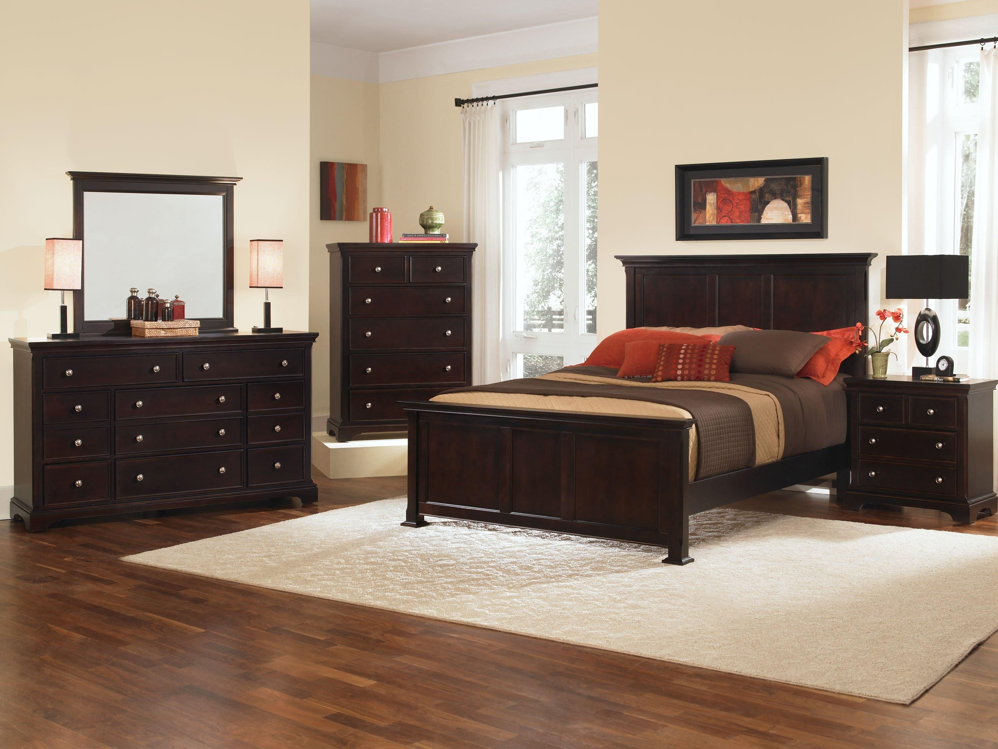 This beautiful Made in the USA set features a dark cherry