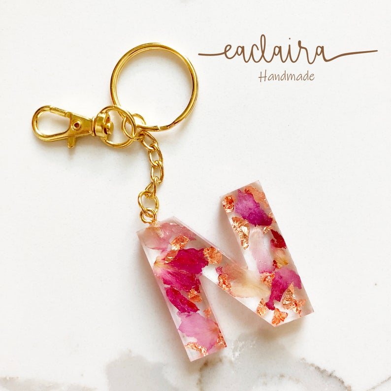 Real Flower Resin Keychain Rose Petals Keychain Handmade Custom Key Chain 3d Letters Alphabet Initial Keychain Charm Gift Accessories Flower Resin Jewelry Resin Jewelry Diy Custom Keychain