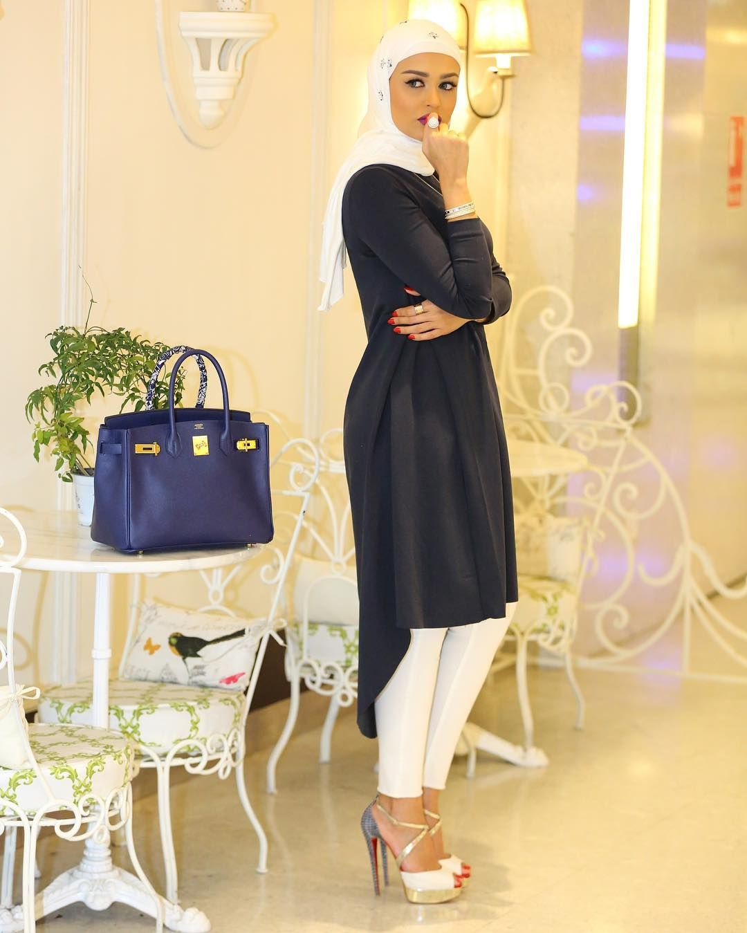 b3a384bad225 Fashion & Beauty, Kuwait Business Inquiries: dalalidblog@gmail.com  Snapchat: Dalalid YouTube: Dalal AlDoub