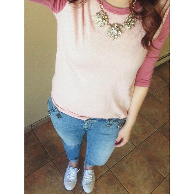 We love how @katilliamarie is going for a sporty chic look by mixing bling and a baseball tee!