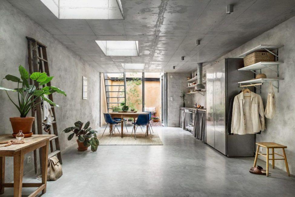 Brandon Architects Have Designed A New Contemporary Coastal California Home Concrete Interiors Concrete Design Concrete Walls Interior