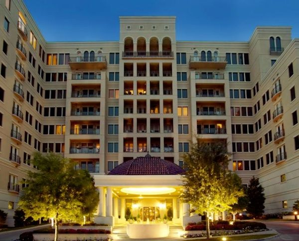 Dallas Luxury Apartments For Rent Rienzi At Turtle Creek Luxe List Condos For Rent Luxury Homes Dallas Luxury