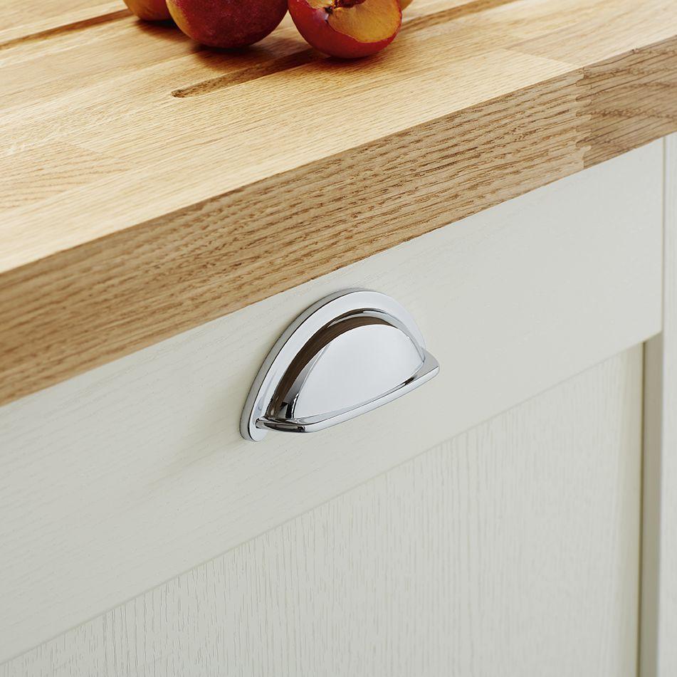 Howdens White Shaker Kitchen Shaker Style Kitchens Free Kitchen Design