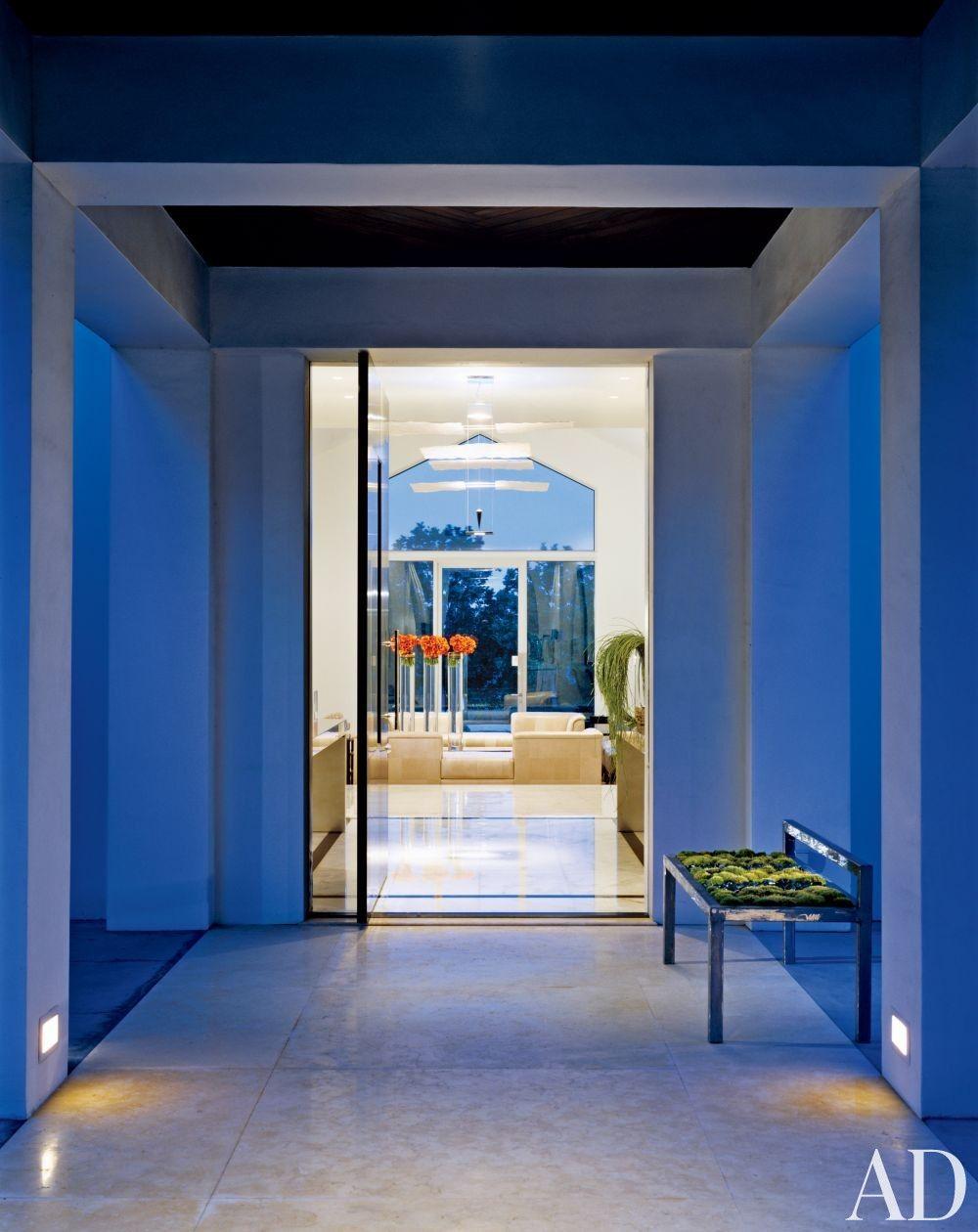 Contemporary entrance hall by jennifer post design inc and jennifer post design inc in los angeles california