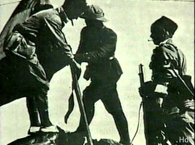 Las tropas españolas recuperan el monte Gurugú en la Guerra del Rif al norte de Melilla - La Hemeroteca del Buitre