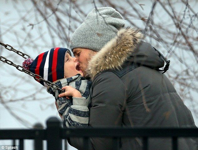 tom brady makes out with son