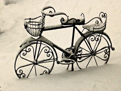 Imagen de bike, snow, and vintage