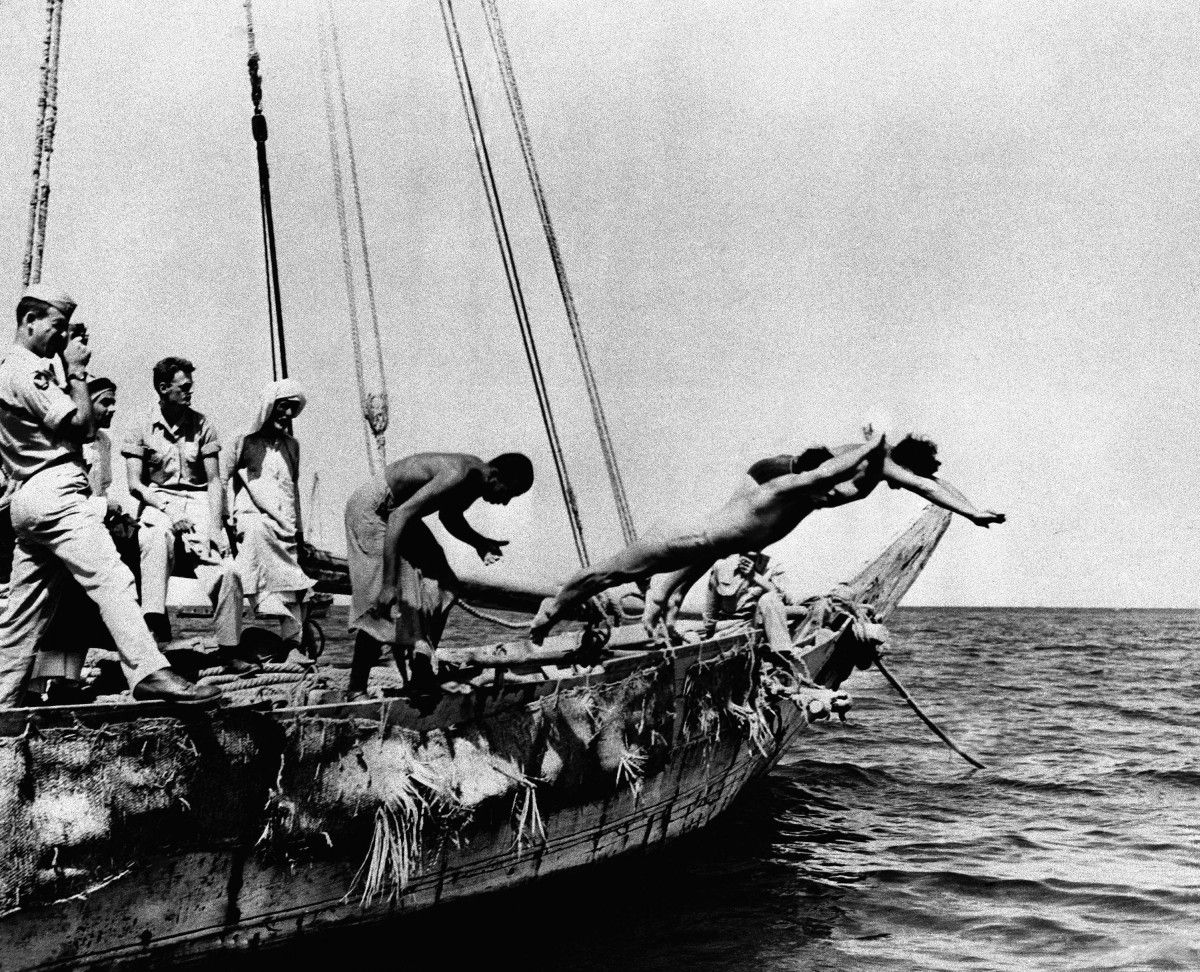 Did You Know That Pearl Diving In Kuwait Was The Main Source Of Income In The Old Days Kuwait City Qatar Travel