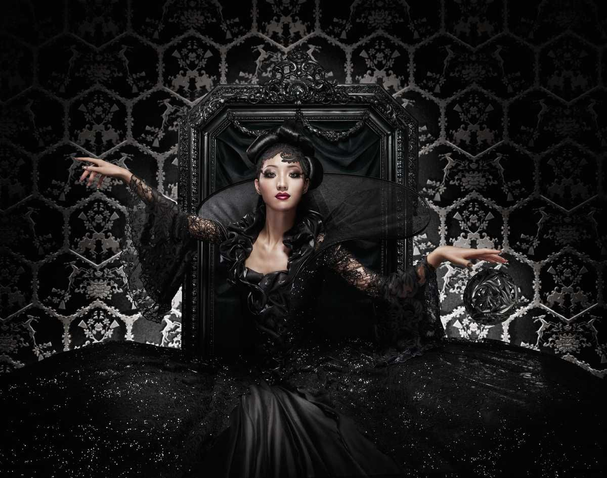 Black Queen - Marcel Wanders - pictures, photography, photo art online at LUMAS