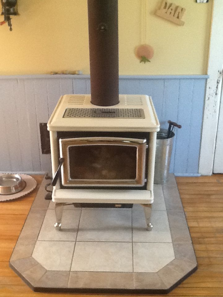 This Is Our Modern Airtight Pacific Energy Wood Stove Made In British Columbia This Stove Can Almost Heat The Whole Hous Energy Wood Wood Stove Cottage Living