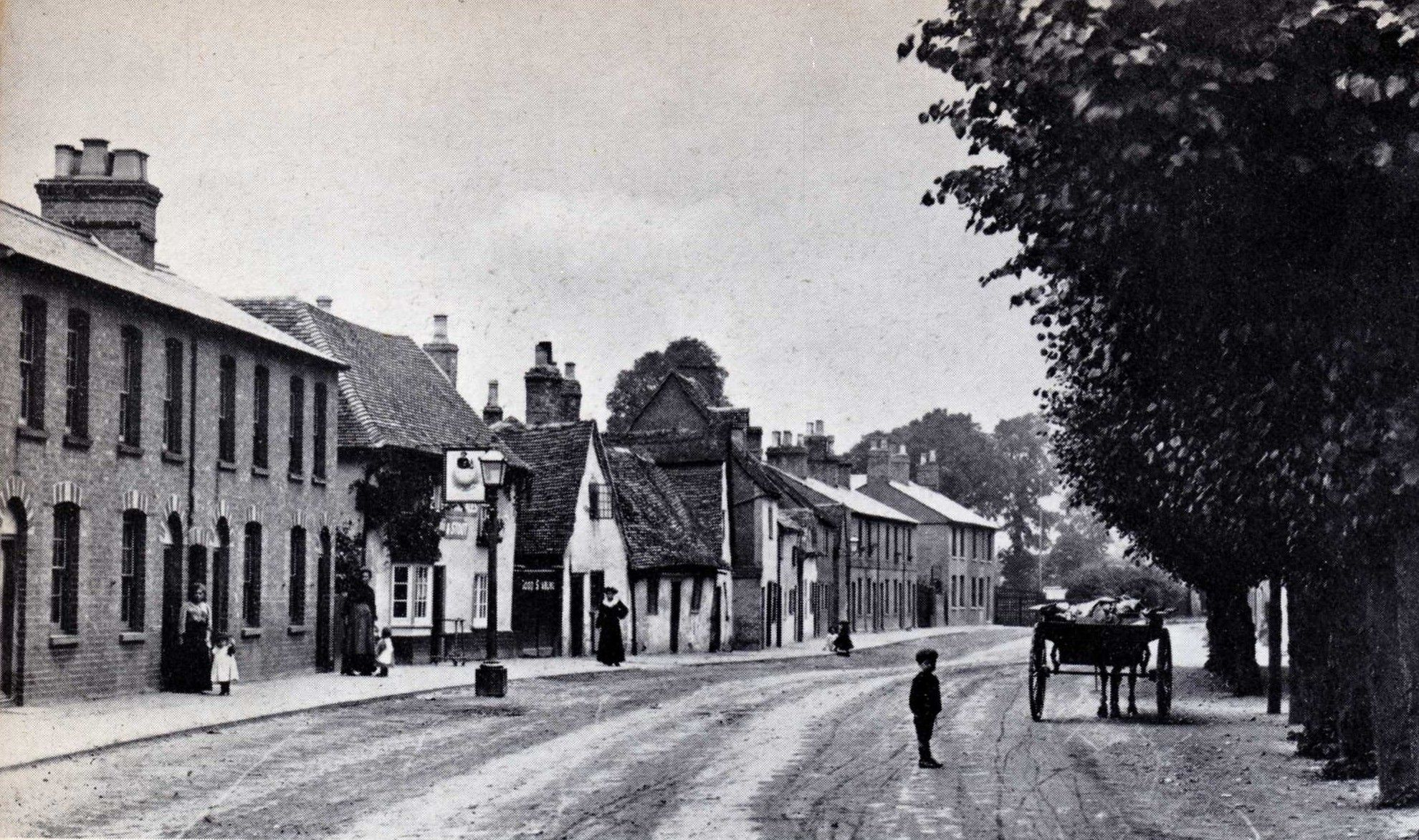 Huntingdon Street St Neots Around 1910 Little Tommy Is Standing