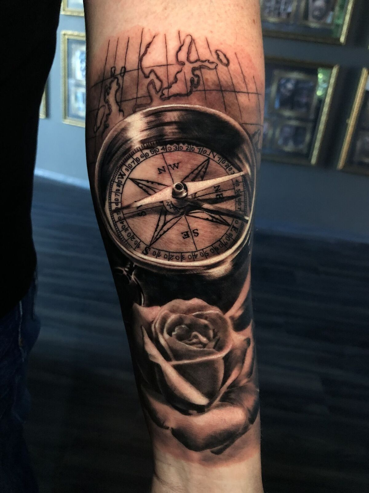 Pin By R O Y On Tattoo Ideas In 2020 Compass Rose Tattoo Compass Tattoo Men Rose Tattoos For Men