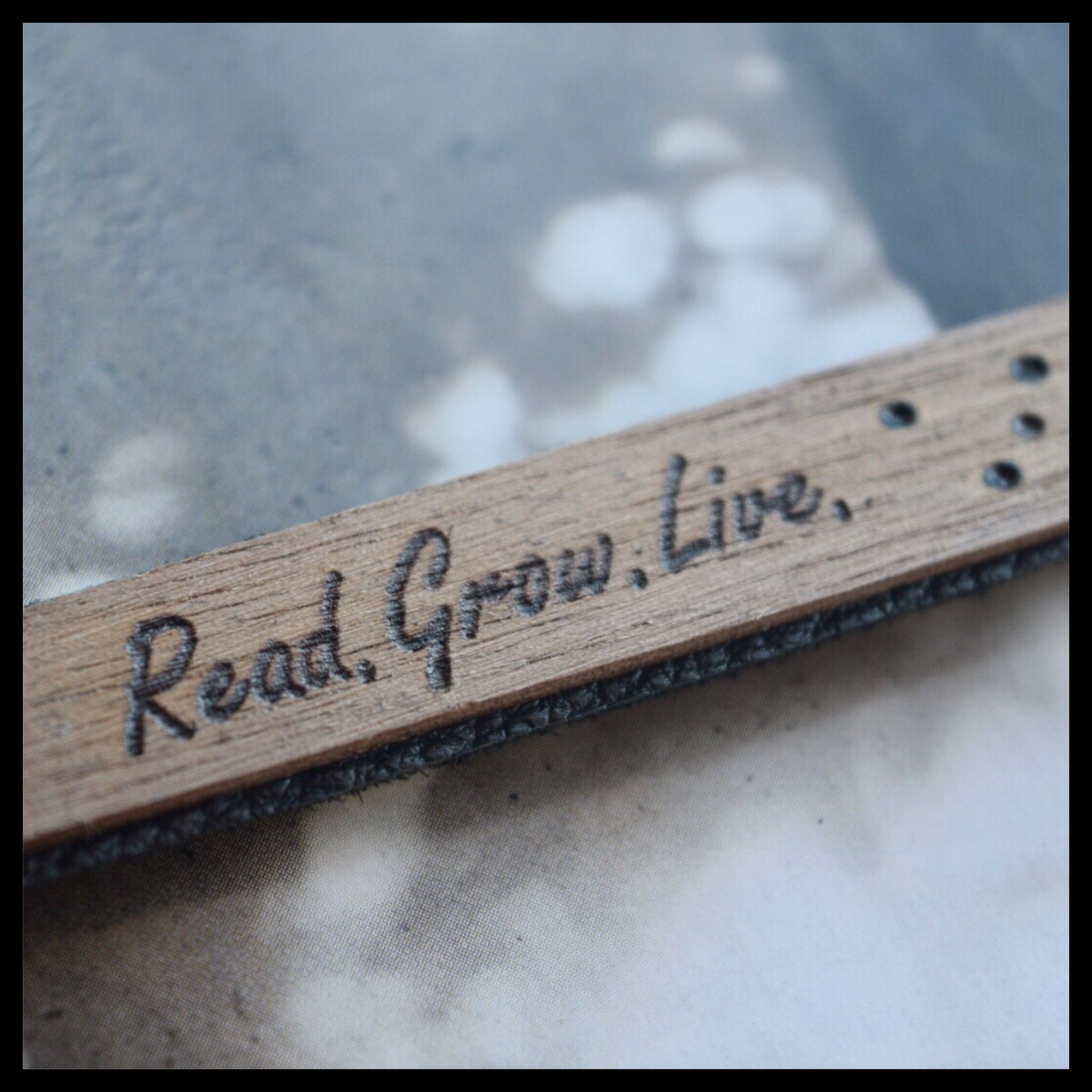 """Read.Grow.Live"" Bookmark"