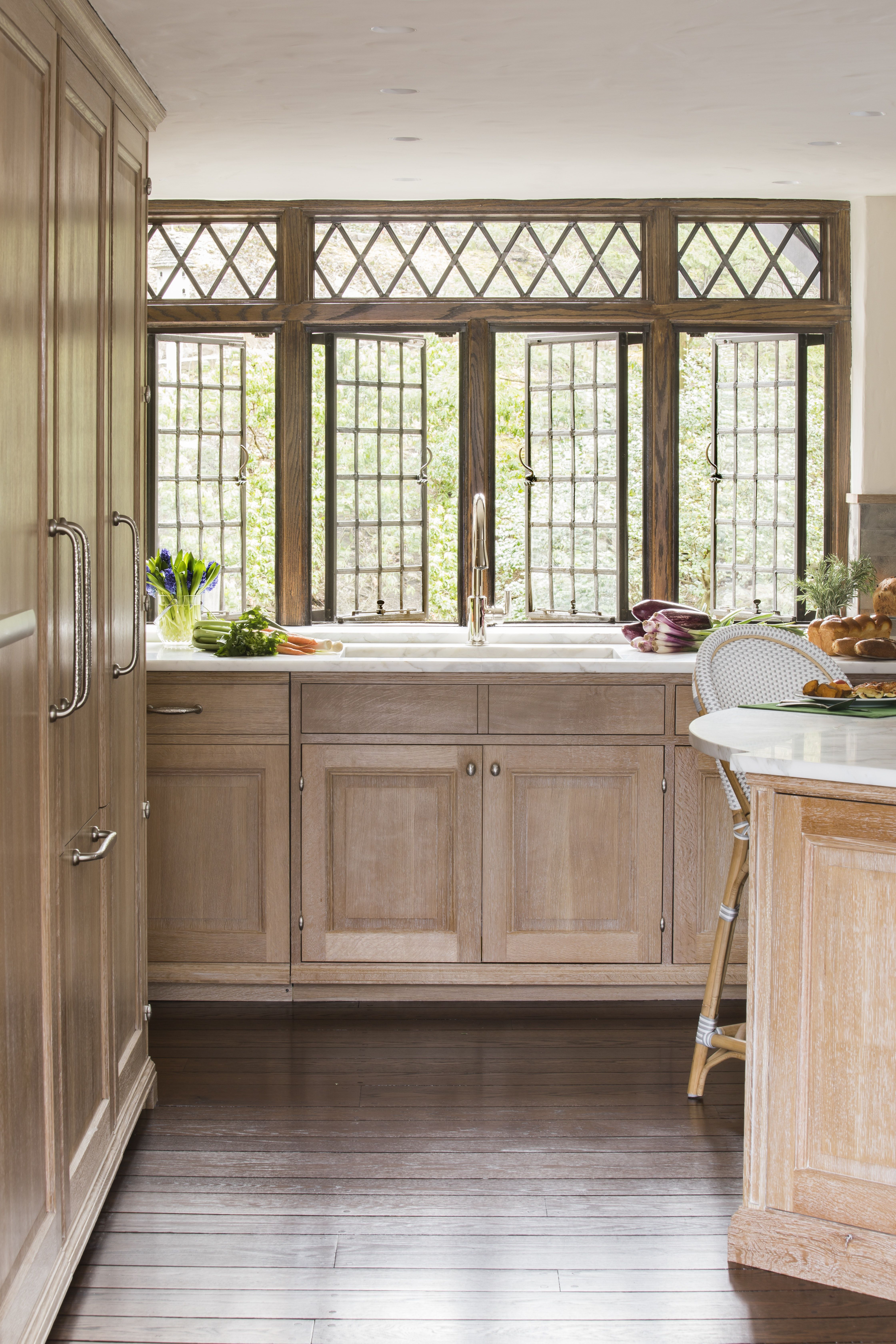 We Custom Built The Quarter Sawn And Rift White Oak Cabinetry For This Kitchen By Sarah Blank Des White Oak Kitchen Interior Design Bedroom Kitchen Renovation