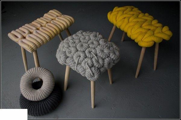 Утепленные на зиму табуретки. Коллекция вязаных стульев Knitted Stools от Claire-Anne O'Brien