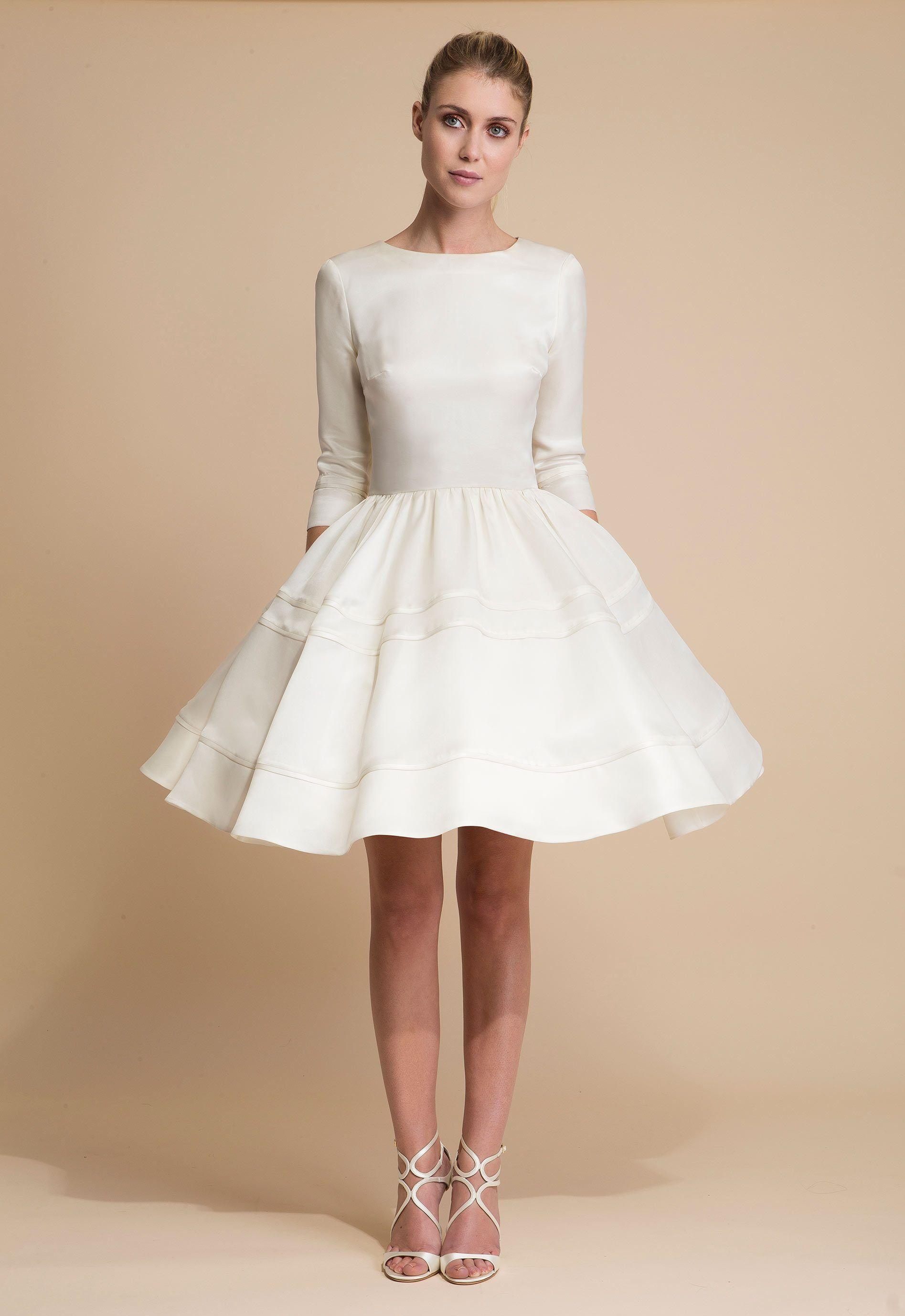 """Corolle"" short bridal dress in silk organza. Robe de"