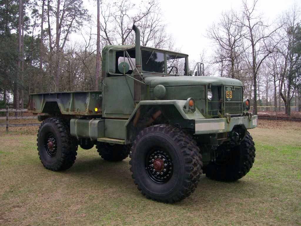 Bobbed m35a2 deuce and half