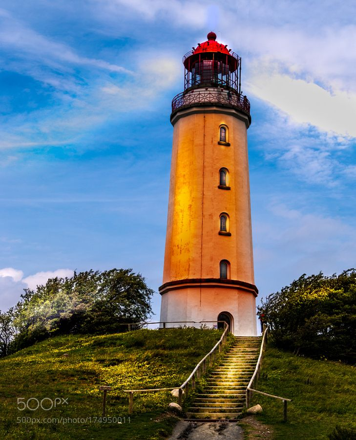 Hiddensee Leuchtturm by heritt