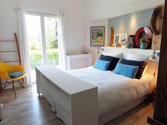 chambre desserte de lit roulette inspiration maison pinterest desserte roulette et. Black Bedroom Furniture Sets. Home Design Ideas