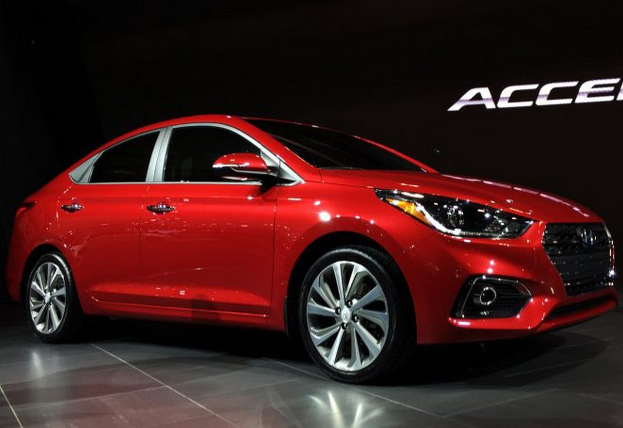 2018 Hyundai Accent Specs Redesign Concept Price And Release Date Http Carsinformations Com Wp Content Uploads 201 Hyundai Accent Accent Hatchback Hyundai