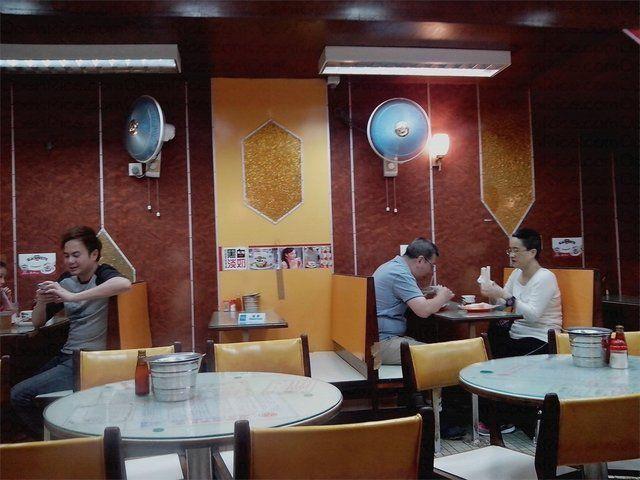 百好咖啡餅店(西灣河)的相片 - yummyWC | Home decor, Hong kong, Decor