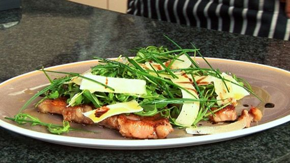 Steak with Pecorino and Rocket Looks scrummy, easy to do and impressive for entertaining!