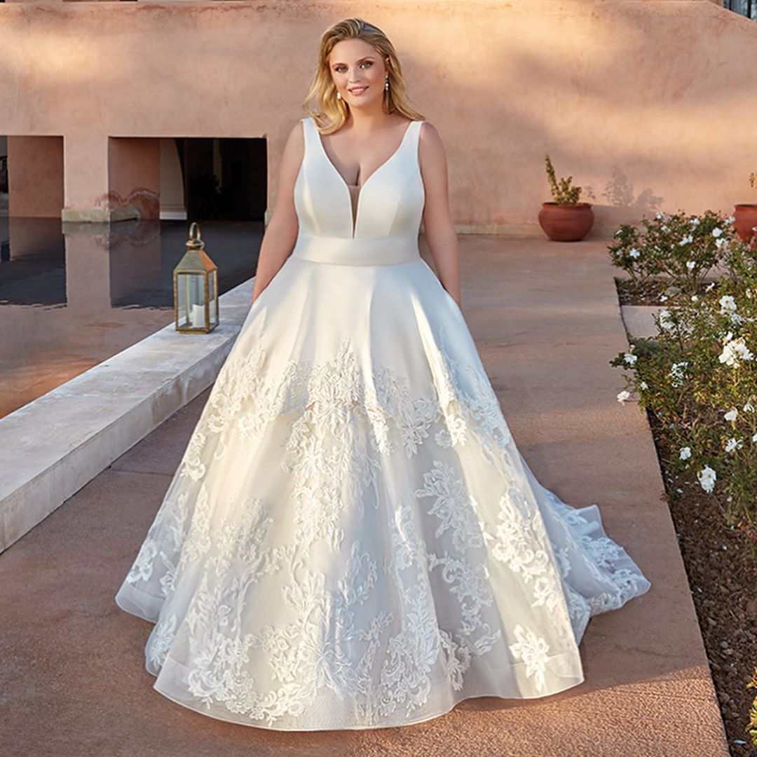Pin on Plus Size Prinzessin & Ball Gown Silhouette
