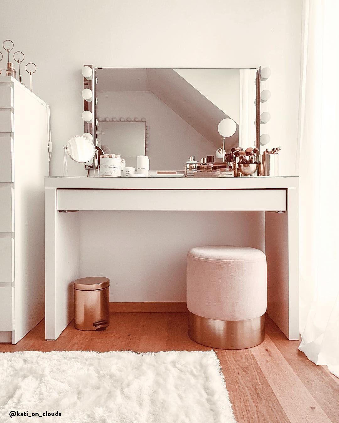 Samt Hocker Harlow Https Pickndecor Com Haus In 2020 Ideen Furs Zimmer Zimmer Gestalten Schminkzimmer