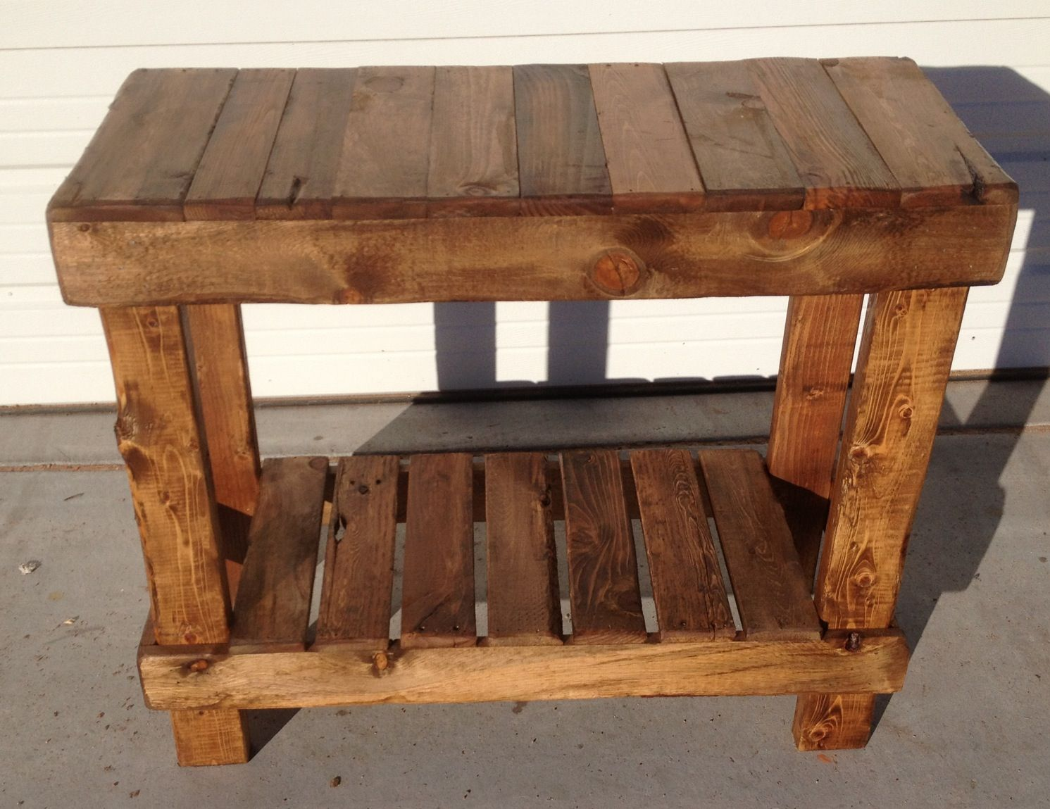 Pallet Entry Table Most Pallet Furniture Is Silly To Begin With With Few