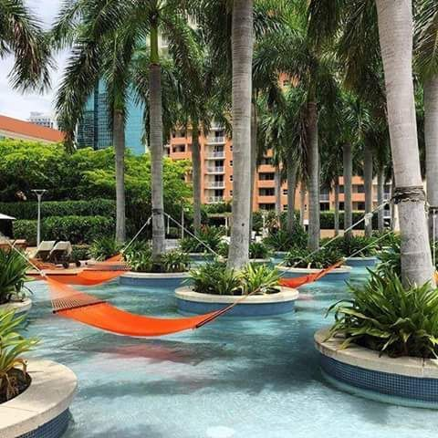 @_SleauxMeaux : RT @Club1Hotels: Palm trees and a gentle breeze are waiting for you at #FourSeasons Hotel #Miami.  #LuxuryTravel #Travel #Lux #Hotels https://t.co/0N1f3p7djr