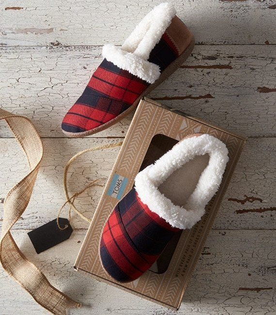 7b7a63191e9 These red and black plaid slippers are a Christmas must have! Great for  yourself or as a gift!
