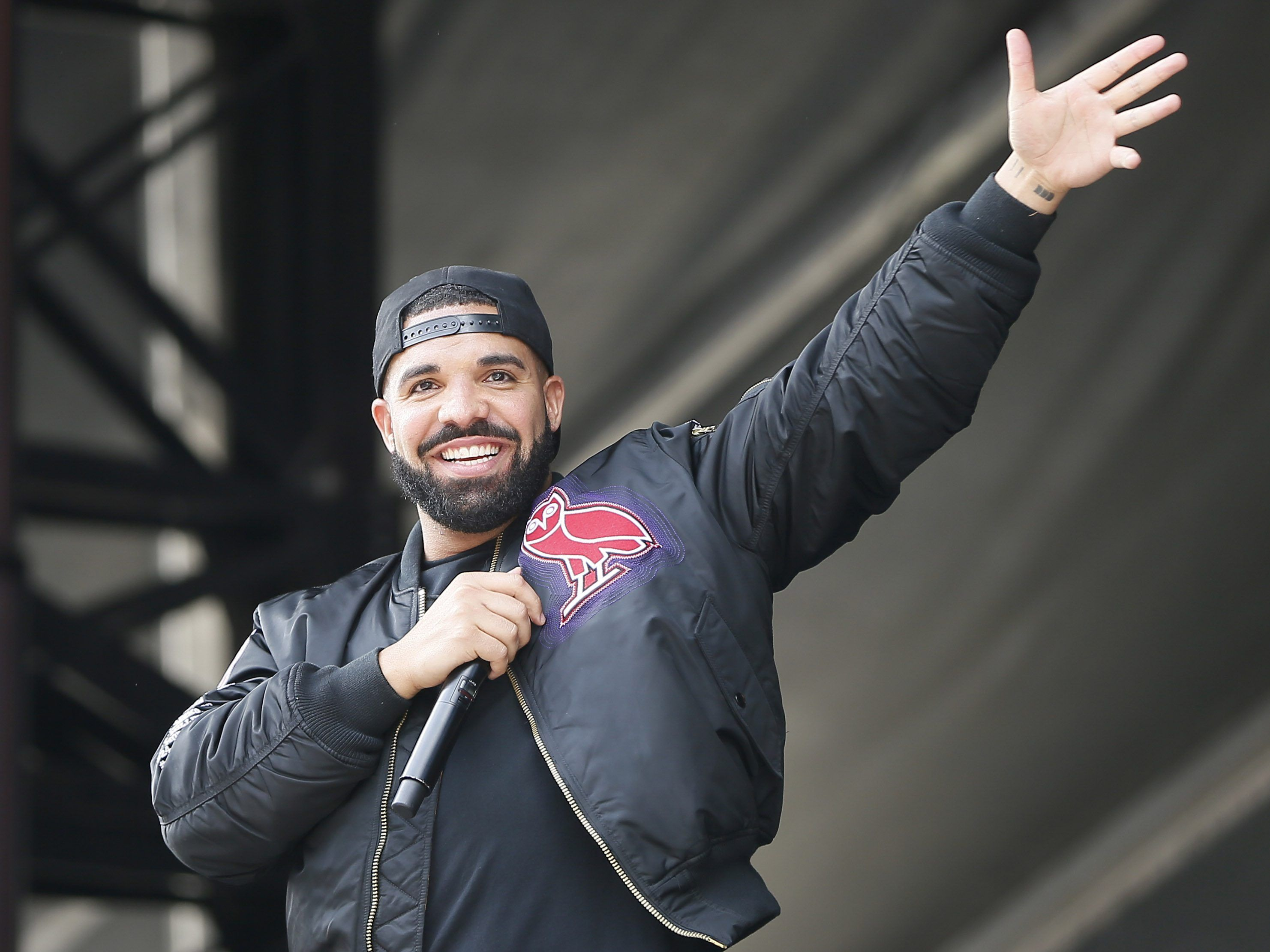 Drake gifted Raptors championship ring College football