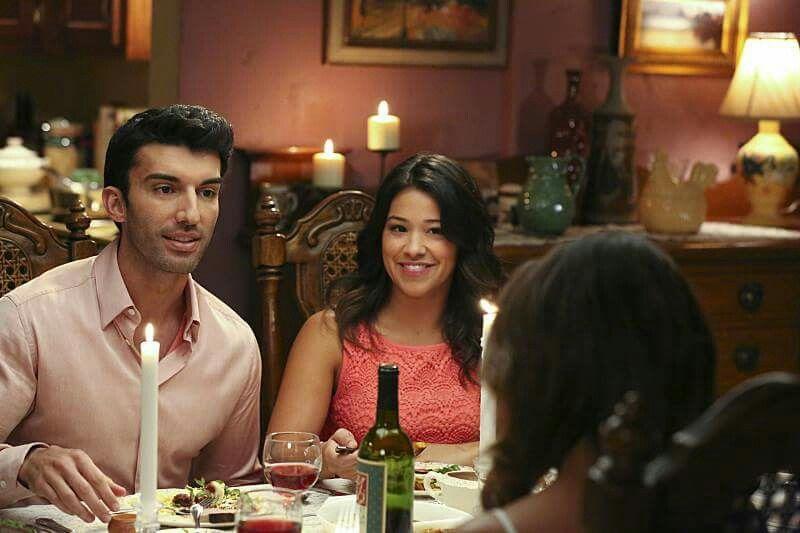 "Rafael has dinner with the Villanueva ladies. ""Chapter Eleven"""