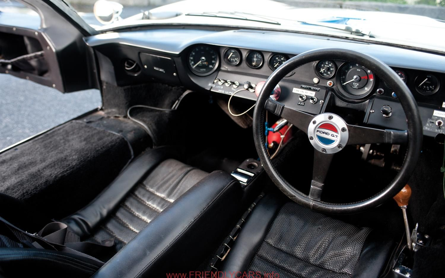 Cool Ford Gt40 Interior Car Images Hd 1968 Ford Gt40 Gulf Mirage Interior Photo 8 Ford Gt Ford Gt40 Gt40