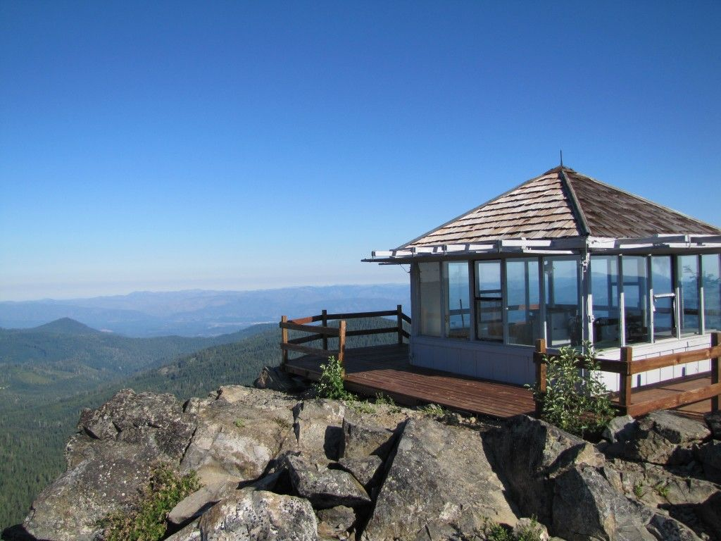 Bolan Mountain Fire Lookout  Available To Rent  Located In Southern Oregonu0027s  Siskiyou