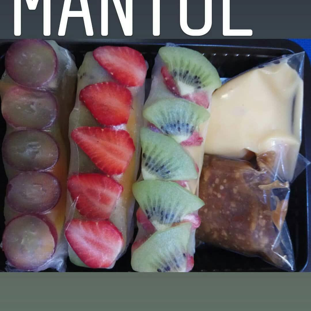 Mix fruit .. Jajan murah meriah dan menyehatkan .  #mixfruits  #mixfruits  #saladsayursehat  #saladbuahsegar  #saladsayurbandung  #saladbuahbandung  #jajanansehat  #jajananbandung  #kulinersehatbandung  #healthyfood  #healthylunch  #springrollfruits  #springrollsalad  #freshfruitsalad  #fruitsaladbandung  #vegetablespringrolls  #vietnamspringrollsfruit