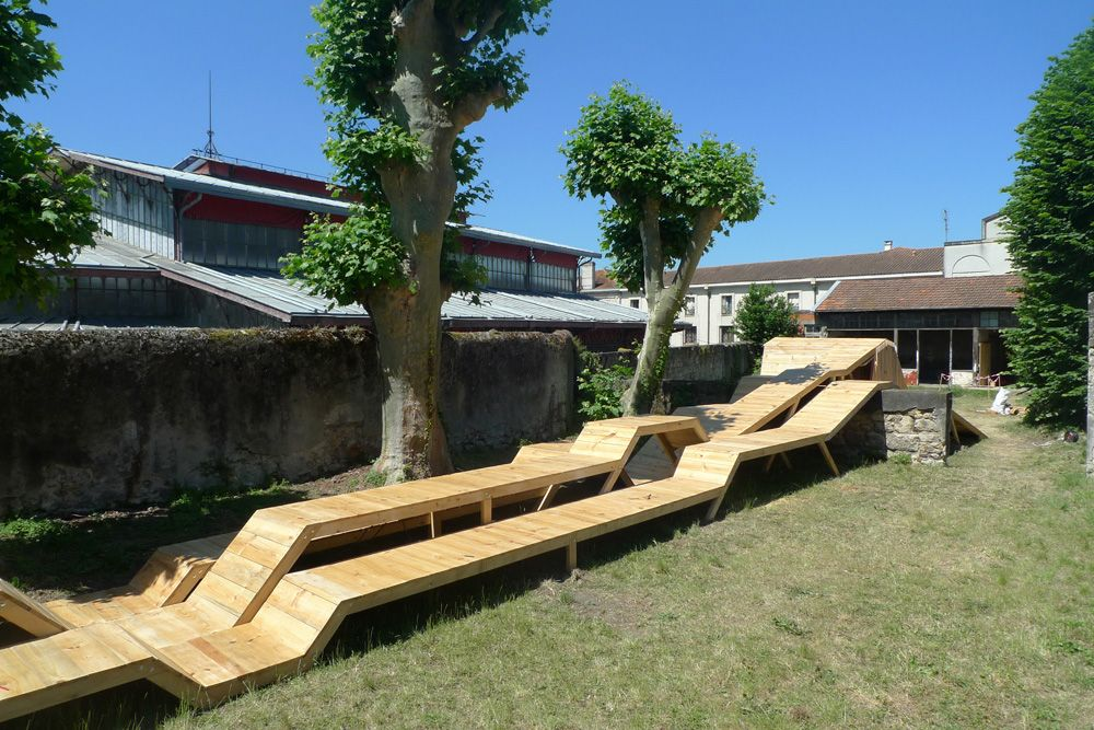 mobilier urbain en bois le bruit du