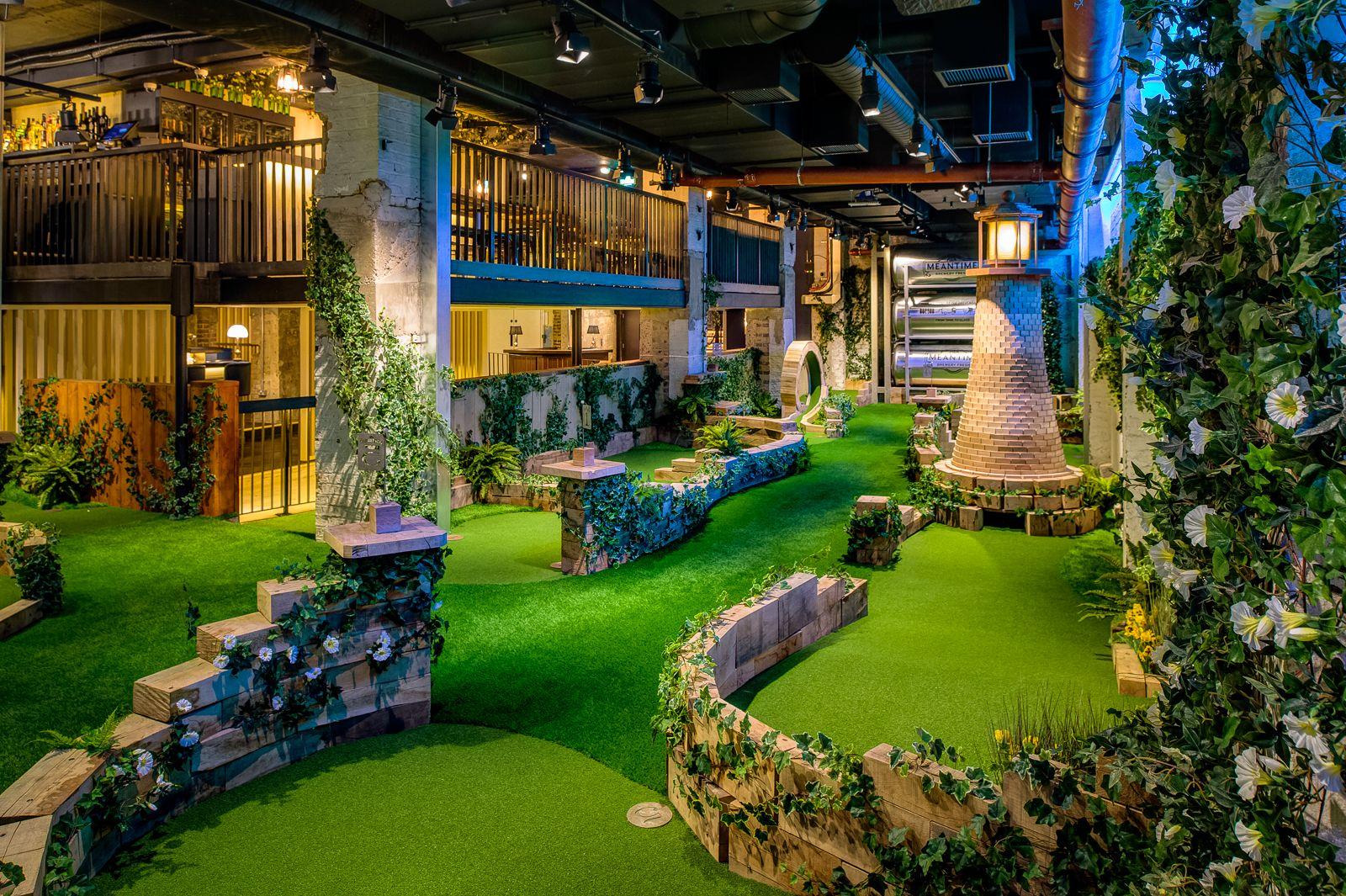 Swingers golf venue in London